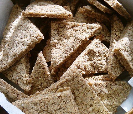 Kukuruzni krekeri u kombinaciji sa zobi i heljdom, bez masnoće