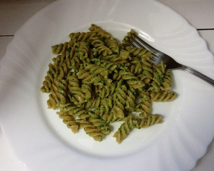 Prefini pesto od kelja (bez kuhanja)