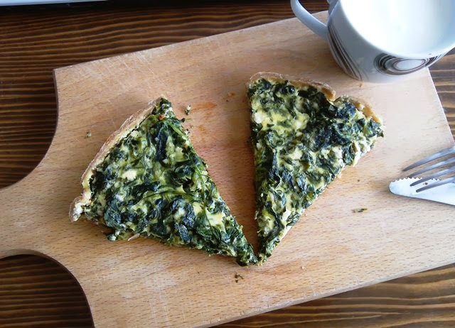 Integralni tart (bez maslaca) s posnim sirom i špinatom