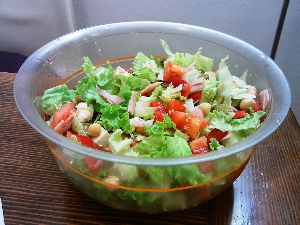 Salata šunka i slanutak